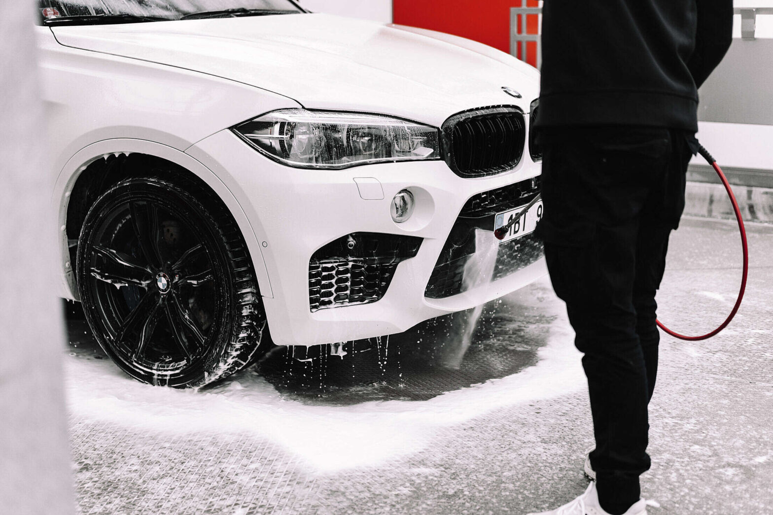 6 Important Things to Consider When Washing a Car at a Self-Service Car Wash